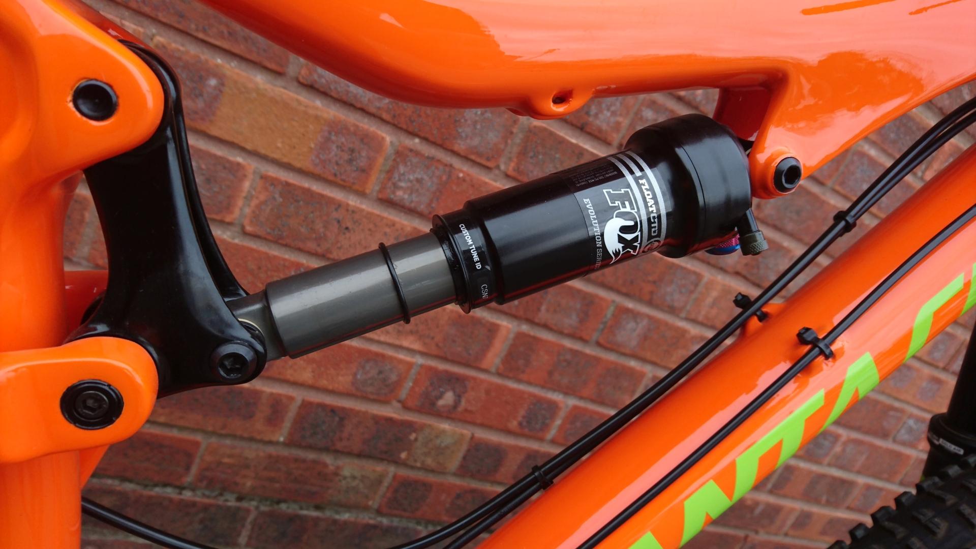 Santa Cruz 5010 C Carbon Mens Full-Suspension Mountain Bike