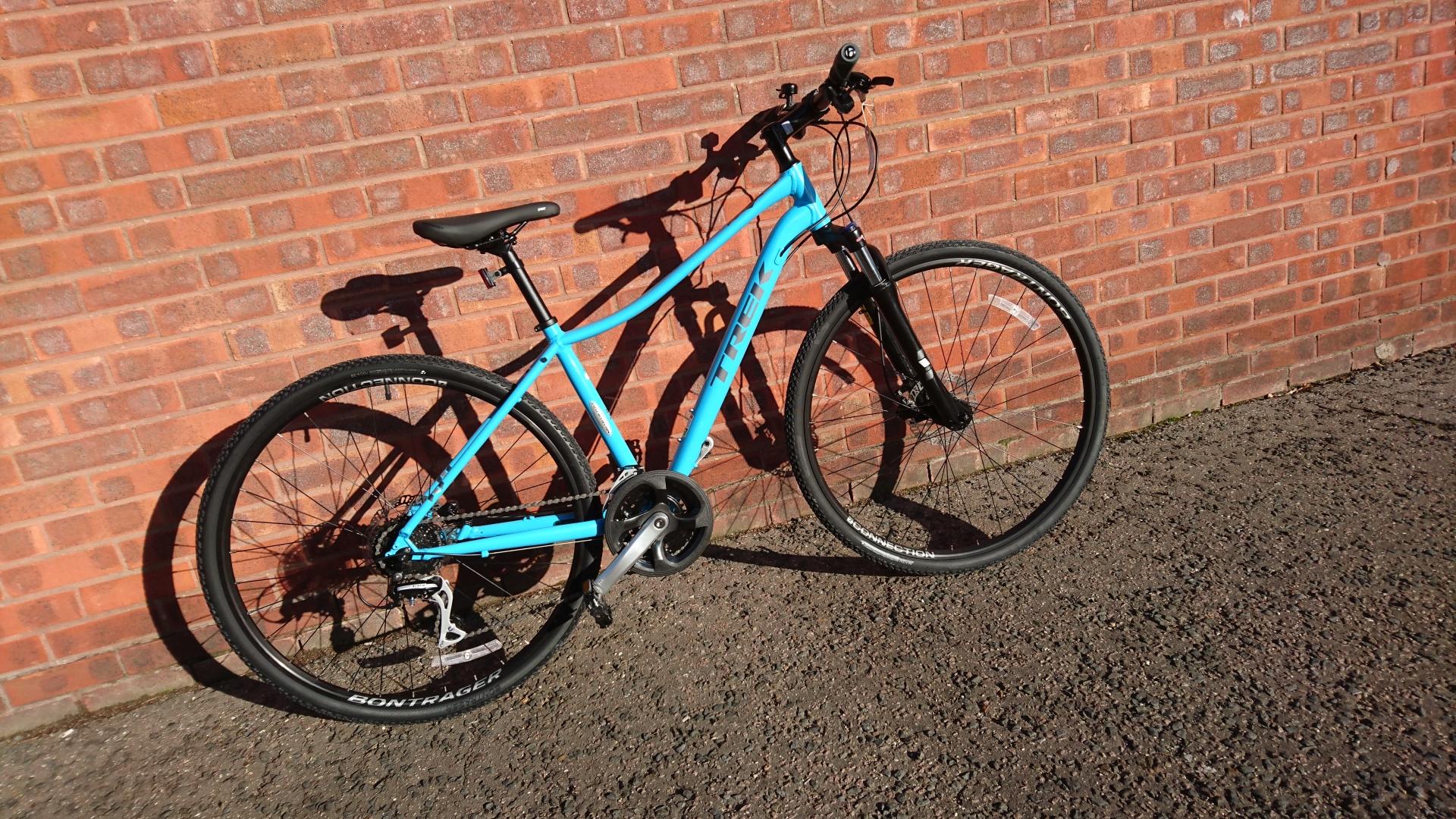 2018 Trek Neko 2 Womens Dual Sport Hybrid Bike In Blue 163 500 00