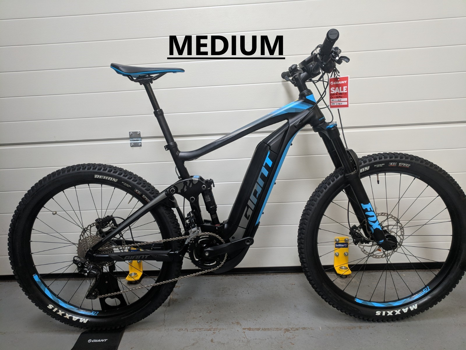 2018 giant full e 1 5 pro full sus e mtb in black blue ex demo 2